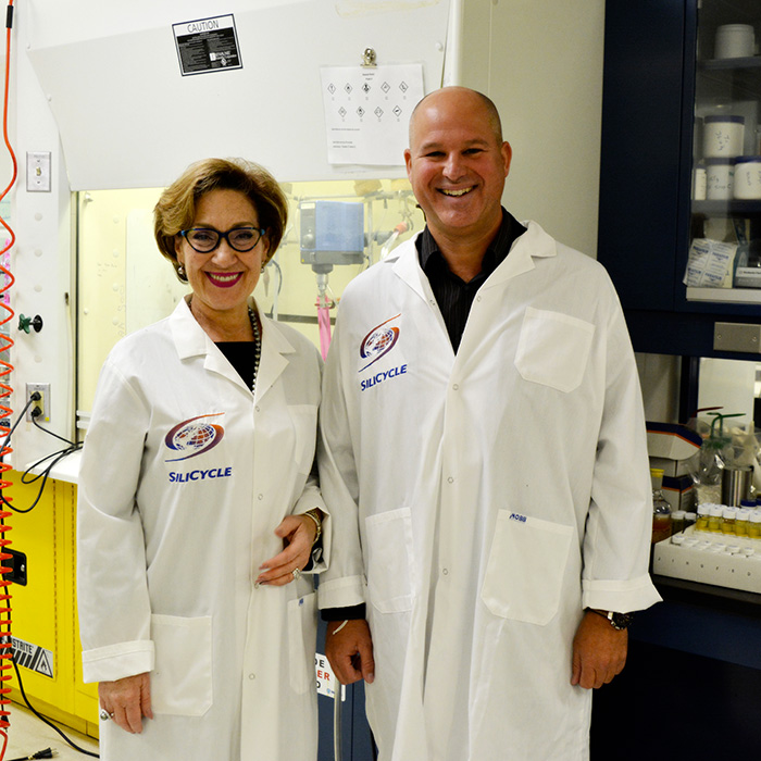 Danièle Henkel and Hugo St-Laurent, CEO of SiliCycle