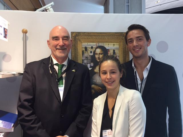 François Arcand (in silica™) avec Clémence Benatar et Dylan Poiret, les gagnants du premier prix du Défi Cosmétique 2016